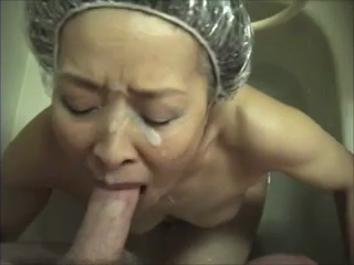 Japanese granny likes to suck