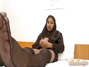 Stocking wearing Arabic whore masturbates