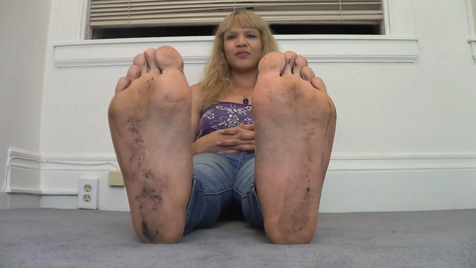 HUGE 14  Wide! ladyboy feet show!