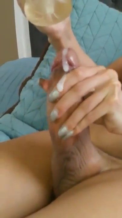 Thick Dick Tranny Cumming with Flesh-light